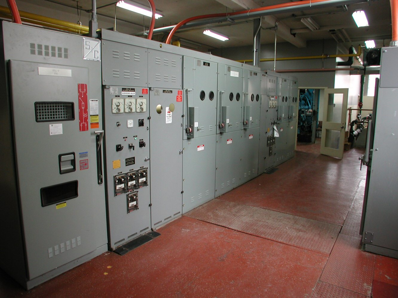 Electrical_switchgear